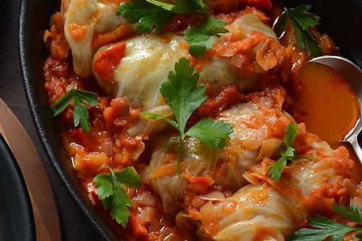 Easy Cabbage Rolls Recipe: Start the Week With This Ground Beef Cabbage Roll Recipe