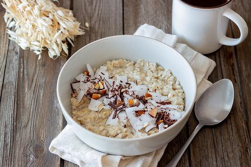 Easy Cocoa Almond Oatmeal Recipe: This Decadent Coconut Oatmeal Recipe Boosts Breakfast Nutrition