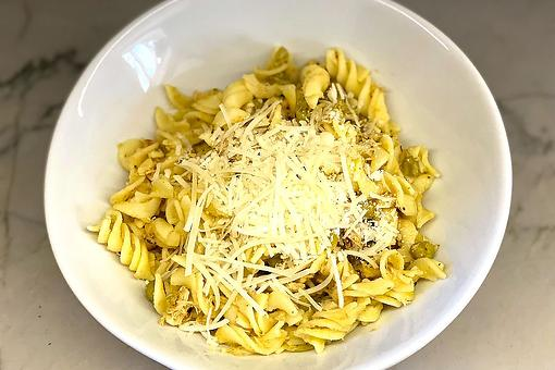Easy Lemon Pasta Recipe: This Zesty Mediterranean Tuna Pasta Recipe Is Loaded With Lemon for Extra Flavor