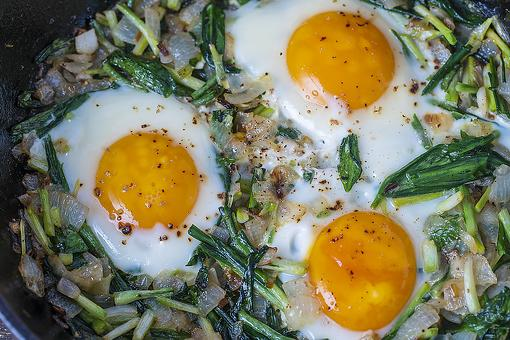 Eggs With Onions & Chives: This Easy Egg Recipe Ensures You Brush Your Teeth After Breakfast