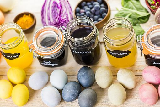 Eggs to Dye For: Why Parents Need to Be Careful About Synthetic Food Coloring!