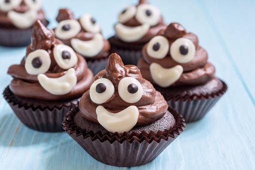 "Seeing ""The Emoji Movie"" This Weekend? You've Gotta Make Poop Emoji Cupcakes!"
