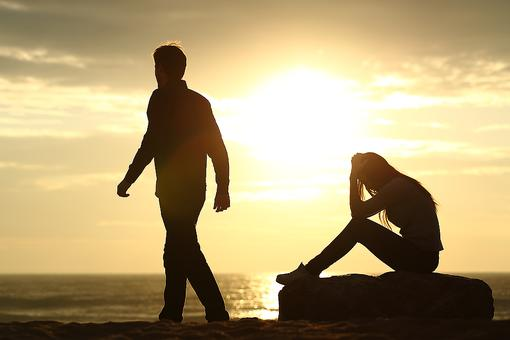 Ending Relationships: 9 Tips to Keep the Peace & Move on After a Breakup