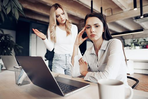 Expert Q&A: My Boss Constantly Criticizes Me & I Feel Demoralized. What Can I Do About This Toxic Work Environment?