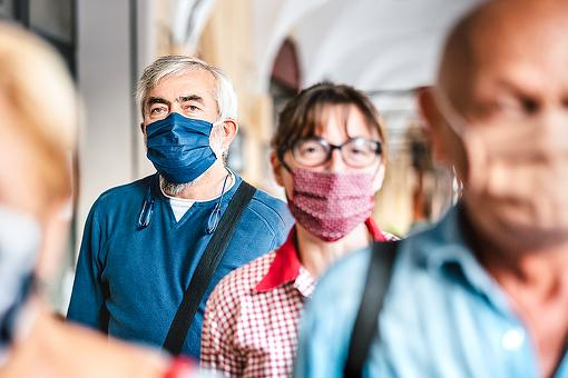 Face Masks After the COVID-19 Vaccination: 5 Reasons Why You Should Wear a Face Mask Even After You're Vaccinated