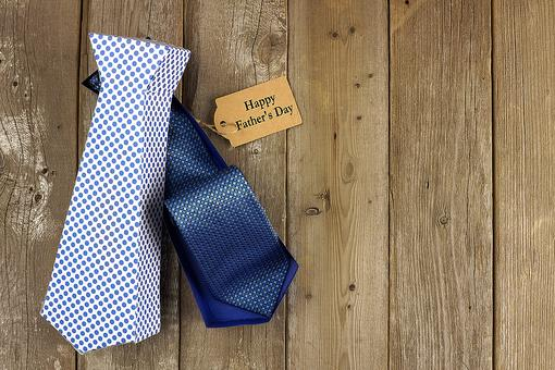 Father's Day Gift Bags: How to Dress Up Your Present for Dad!
