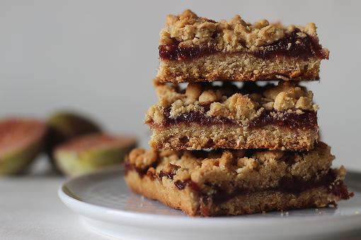 Fig Crumble Bars Recipe: An Easy Fig Bar Cookie Recipe You'll Be Sweet On