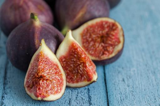 Figs Are Fabulous: 7 Healthy Reasons to Give a Fig a Try!