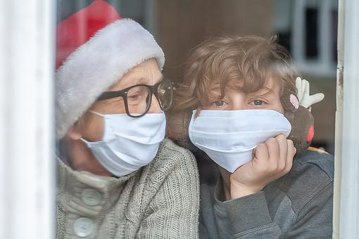 Finding Joy This Holiday Season: 13 Ways to Cope With Holiday Loneliness During the Pandemic