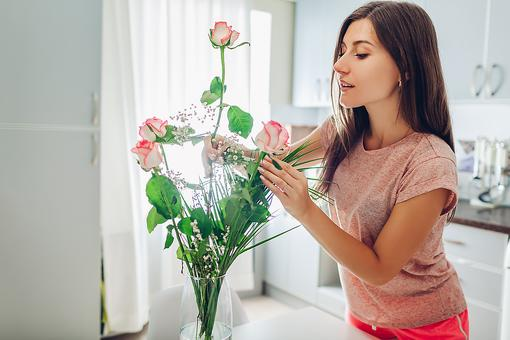 Flower Delivery: How Having Flowers Delivered Can Enhance Your Home & Health