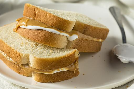 Nostalgic Recipes: This Marshmallow Fluff & Peanut Butter Sandwich Recipe Will Take You Back to Childhood