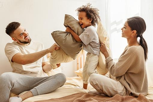 Focus on the Positives in 2021: Parents, Start the New Year With These Positive Family Resolutions