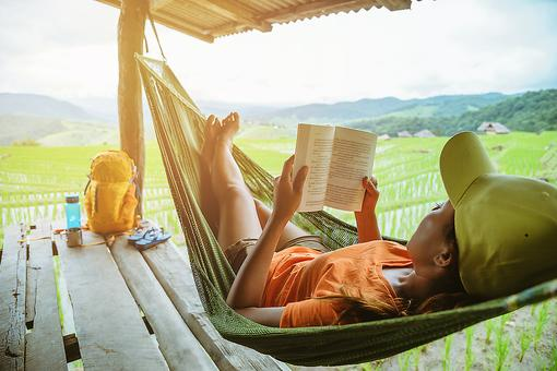 Following My Dreams: These 5 Books Helped Me Let Go of My Life & Live It Instead