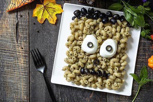 Fun Frankenstein Pasta Recipe: Invite This Spooky Green Monster to Halloween Dinner