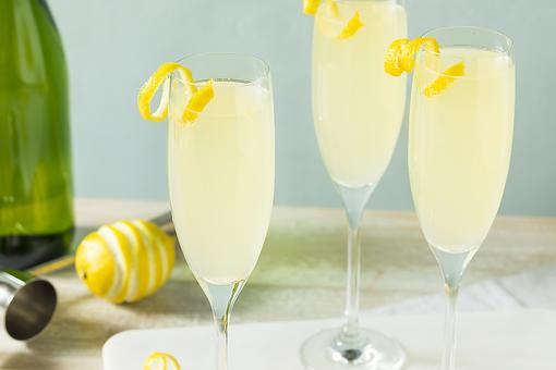 How to Make a French 75 Cocktail (Bring Out the Big Guns This Weekend)!