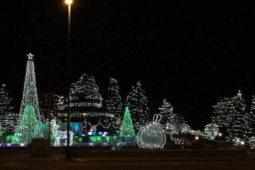 Friendship Park in Wheeling, Illinois, Welcomes Santa to Kick Off the Holiday Season!