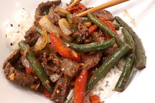Quick Garlic Beef & Green Bean Stir-fry Recipe: This Sweet Garlicky Beef Stir-fry Recipe Cooks in 6 Minutes