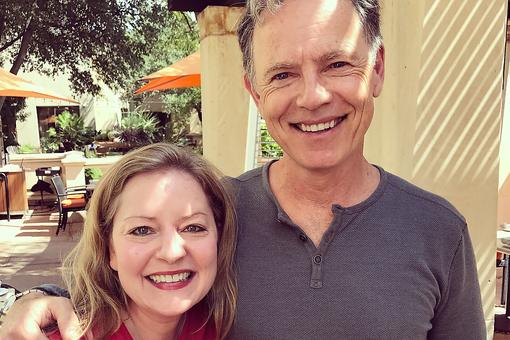 """Gerald's Game"" by Stephen King Premieres As a Netflix Original Film Starring Bruce Greenwood & Carla Gugino (and I Got to Meet Them)!"