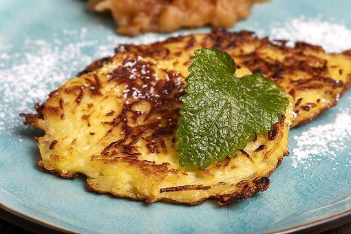 Easy German Potato Pancakes Recipe: This German Kartoffelpuffer Recipe Is Delish