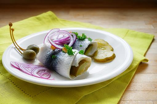 Easy German Rollmops Recipe: How to Make Quick German-Style Stuffed Pickled Herring