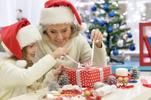 11 Gifts for Grandparents That Grandma & Grandpa Will Cherish