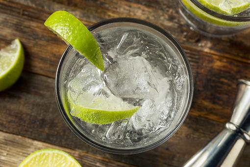 How to Make a Gin & Tonic: How to Make a Classic Gin & Tonic Cocktail