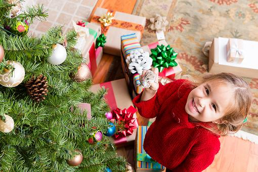 Give Kids Holiday Ornaments for a Lifetime of Memories (Start This Year)!