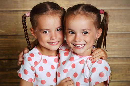 Got Twins? Lynette Patterson on the Unique Experience of Parenting Twins!