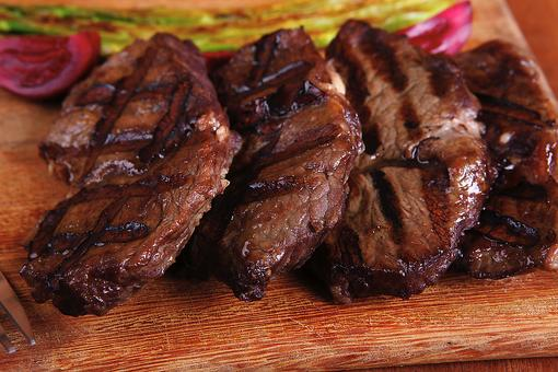 Grilling Steaks for Memorial Day? The Best Oil to Use & How to Get Those Grill Marks!