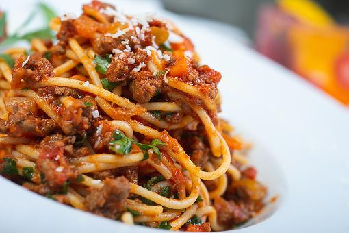 Easy Bolognese Recipe: This One-Pan Spaghetti Bolognese Recipe Is on Your Plate in About 20 Minutes