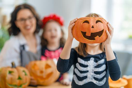 Halloween Help During the Coronavirus Pandemic: 5 Ways Your Family Can Have a Healthy Halloween
