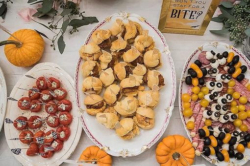 Halloween Party Trend: How to Throw an Eyeball Bar Get-together