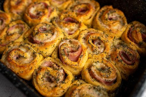 Leftover Ham Recipes: This Easy Ham & Cheese Pinwheel Bread Recipe Is Scrumptious