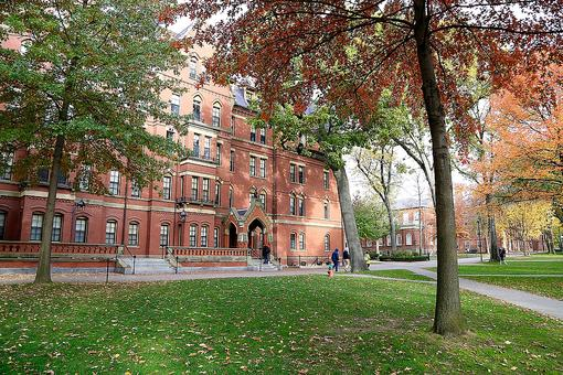 Harvard Rescinds 10 Admissions Offers; You May Be Surprised Why!
