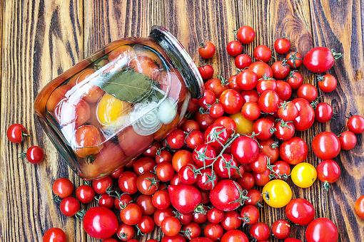 How to Can Tomatoes: Your Step-by-Step Guide to Preserving Summer Tomatoes