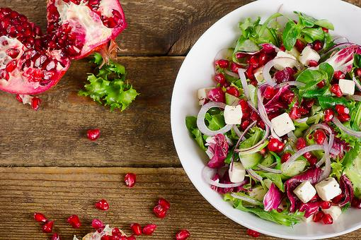 Healthy Salads: 5 Hacks to Help You Make the Perfect Salad in Less Time!
