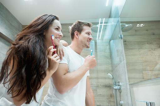 Healthy Toothbrush Tips: 5 Simple Steps to a Germ-free Toothbrush
