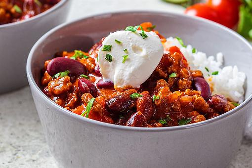 Hearty Beef & Bean Chili Recipe: A Slow-cooker Ground Beef Chili Recipe That's Budget Friendly