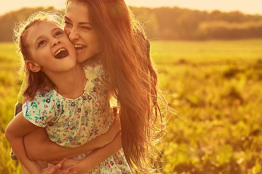 Hello, Suzie Sunshine: Why Laughter & Light Are the Only Policies for This Single Mom