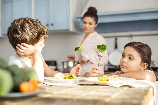 Kids Won't Eat Their Veggies? Here Are 4 Herbs & Spices That May Change Their Minds!