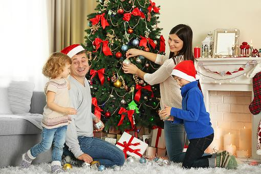 Holiday Decorating: 10 Do's & Don'ts That May Help Prevent Fires & Injury!