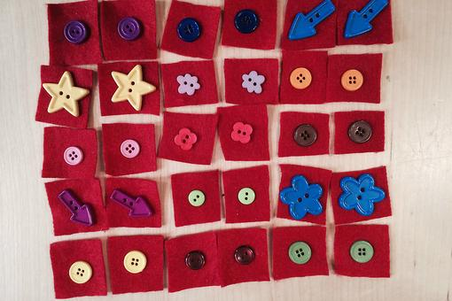 Holiday Gifts: How to Make DIY Homemade Button Memory Games With Kids!