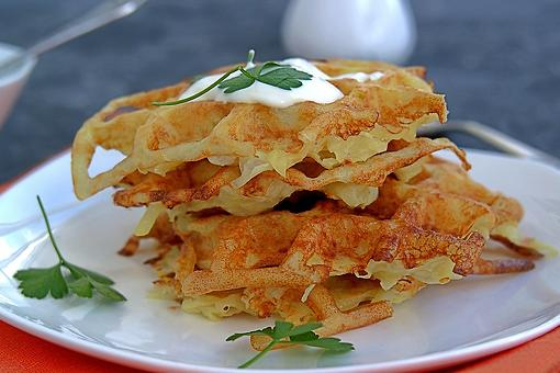 Waffle Iron Hash Browns Recipe: Breakfast Potatoes Will Never Be the Same (Just 1 Ingredient!)