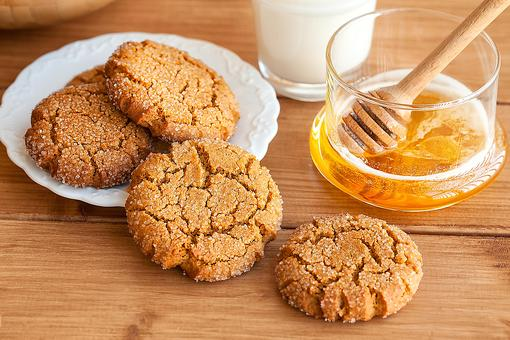 Honey Sesame Cookies Recipe: This Easy Cookie Recipe Is the Bee's Knees