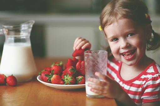 How Much Milk Should Toddlers Drink Daily for Vitamin D & Calcium? Find Out!