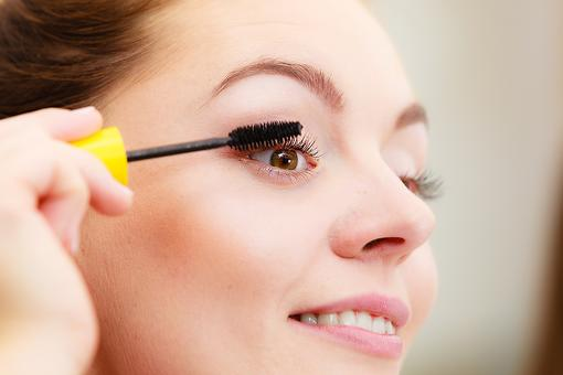 Looking Tired? How to Apply Mascara to Make You Look Refreshed and Awake!