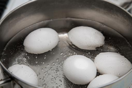 How to Hard Boil an Egg Without Cracking the Shell!