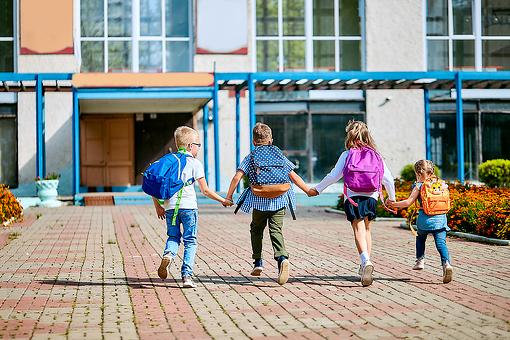 Back to In-Person Schooling: 6 Ways to Help Kids Re-Adjust to In-Person Learning