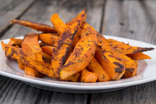 How to Make Baked Cinnamon-Spiked Sweet Potato Wedges!