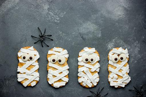 Healthy Halloween Snacks: How to Make Fun Mummy Cheese Crackers